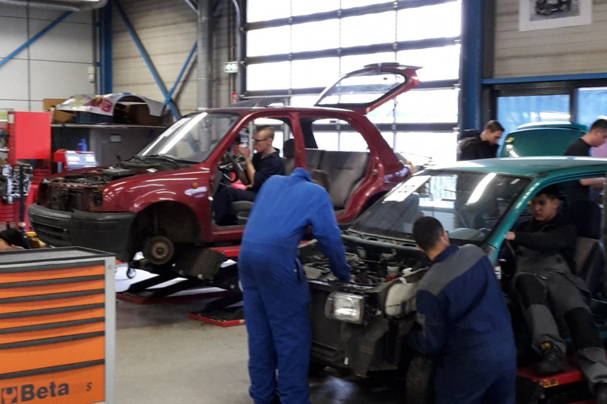 Projectweek Automotive College